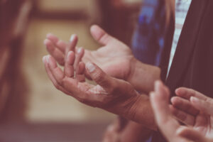 Vintage,,Praying,And,Praise,Together,At,Church